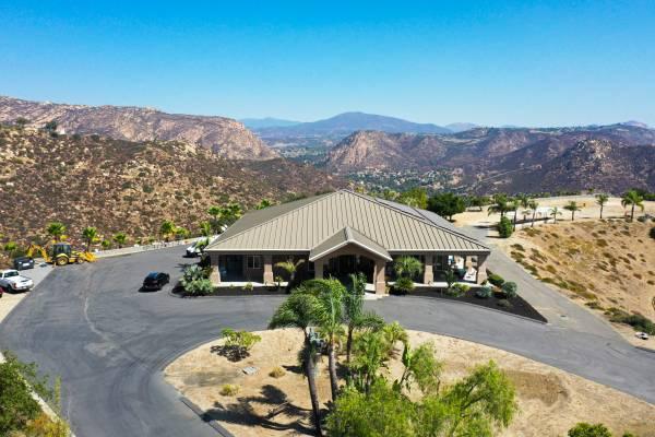 Photo 848 Canyon Rim Drive, El Cajon, CA 92021 (El Cajon)