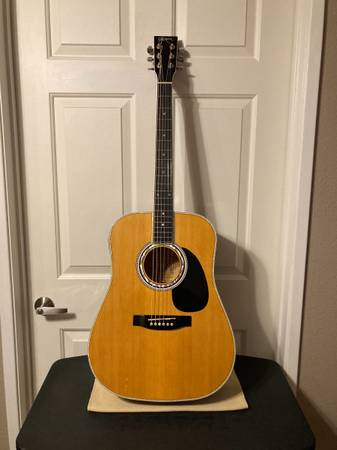 Photo AWESOME AMERICAN LEGACY ACOUSTIC ELECTRIC GUITAR WITH ACCESSORIES - $140 (San Marcos)