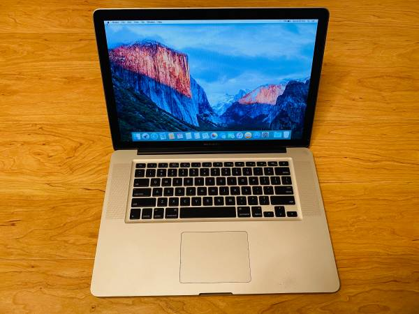 Photo Apple MacBook Pro 15 inch Mid 2009 Solid State Drive Upgrade - $250 (Oceanside)