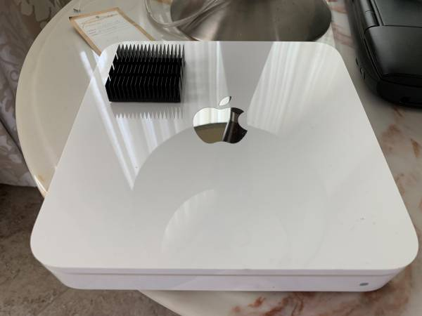 Photo Apple Time Capsule 2TB WiFi Router (3rd Gen  A1355) - $60 (San Diego  UTC  La Jolla  Mira Mesa)