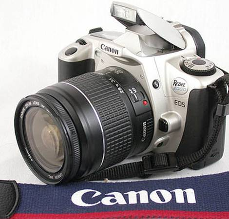 Photo CANON EOS Rebel FILM SLR camera 28-80 zoom, great for photo 101 class - $100 (San Diego  PB)