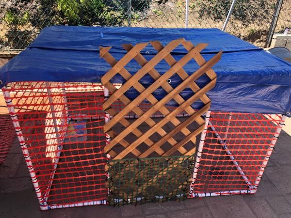 Photo Chickens-Hens Very Nice Chicken Coop Built For All Birds - $120 (La Mesa)