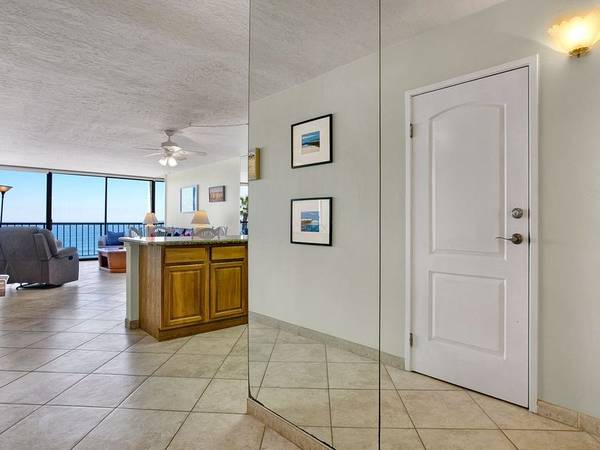 Photo Cozy home with stunning white water ocean views (Pacific Beach)