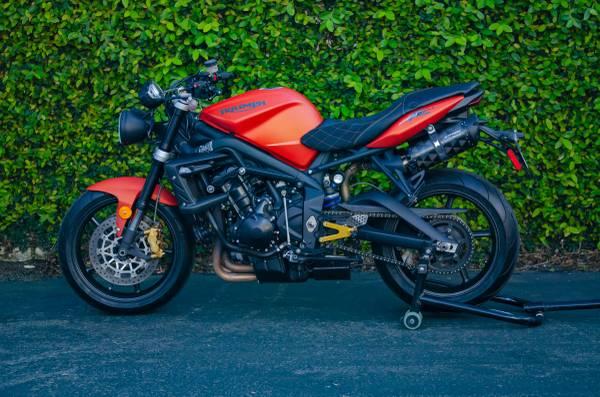 Photo Custom Triumph Street Triple R - 675cc - $9,000 (Carlsbad)