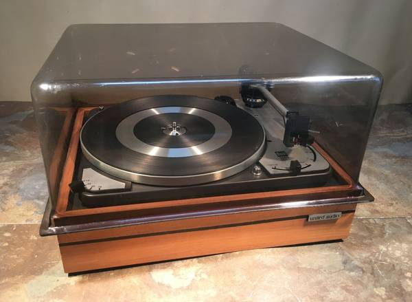 Photo Dual 1009 Vintage Turntable  Needs a little work. Mint condition. - $150 (Greg the Stereo Guy)