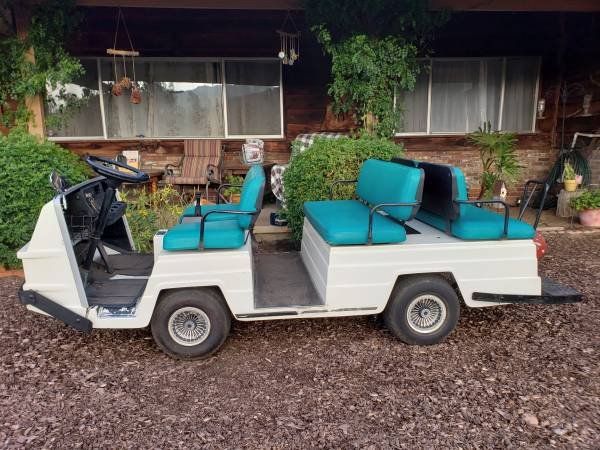 Photo EZGO 6 seat Golf Cart 36V - $2,900 (This is the tight turn desirable model)