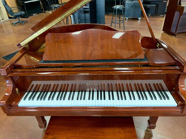 Photo Gorgeous Falcone Baby Grand Piano - $4,795 (San Marcos)