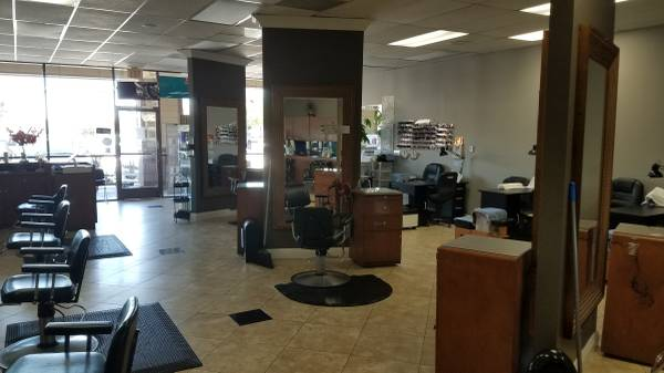 Photo Great Location Beauty Salon Business for Sale - $57,000 (San Diego)