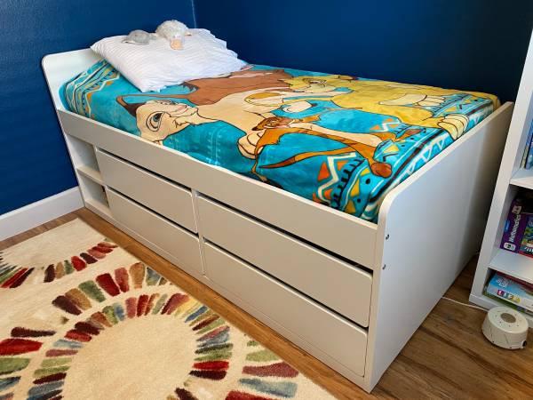 Photo IKEA Slakt twin bed - $180 (Poway)