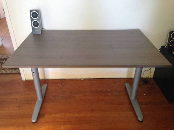 Photo Ikea Grey 31 x 63 Galant Rect Desk wAdjustable Height Legs Options - $150 (Sorrento Valley)