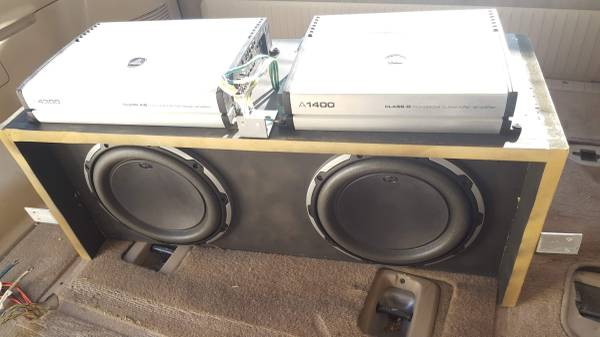 Photo JL Audio Subwoofer 2x10W6 with s and custom box - $900 (Poway)