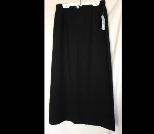 Photo JM Collection Women39s Petite A-Line Skirt Black - $7 (Spring Valley)