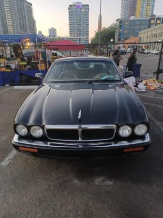 Photo Jaguar XJ6 Sedan - $9,700 (Downtown San Diego)