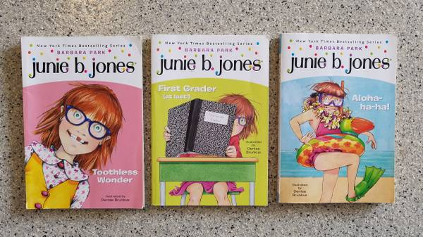 Photo Junie B. Jones and Ivy Bean Books - $2 (Sorrento Valley)