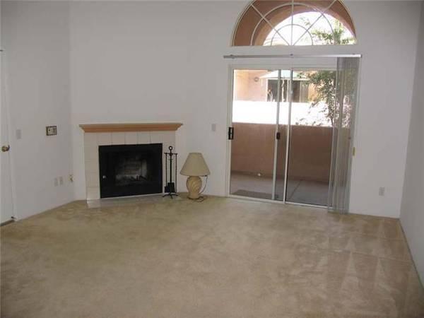Photo Large 1br-1ba (745 SF)-Upstairs Unit-All Appliances included( SUMMIT) (Rancho Bernardo)