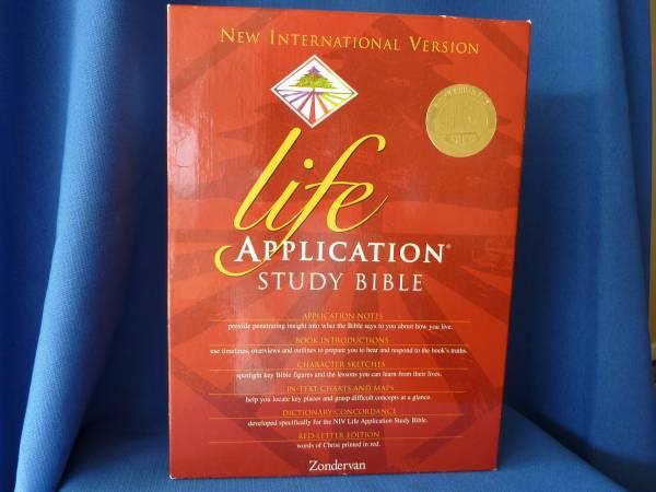 Photo Life Application Study Bible - $10 (Rancho Bernardo)
