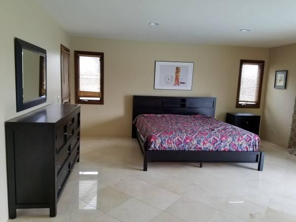 Photo Luxurious RoomStudio For Rent (Utilities Included) (Rancho Bernardo)