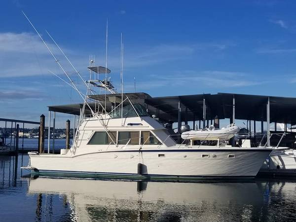 Photo MUST SELL 1983 52FT HATTERAS SPORT FISHER GREAT LIVE ABOARD - $125,000 (Port Orchard)