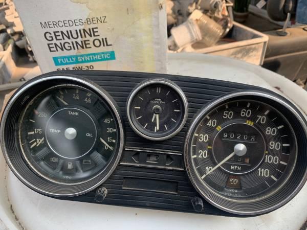Photo Mercedes diesel instrument cluster W114 W115 - $170 (San Diego)