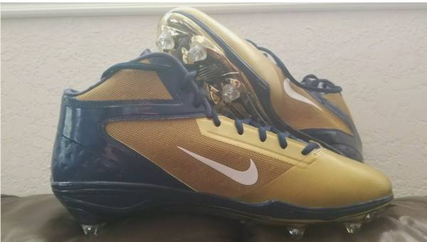 Photo Naval Academy Rivalry Game Nike Football Cleats - $70 (San Diego)