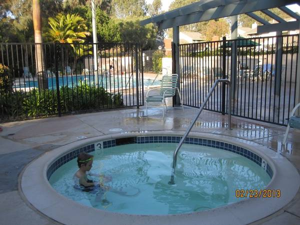 Photo One bedroom($1050) and Living room Near($750) UCSD (La Jolla)