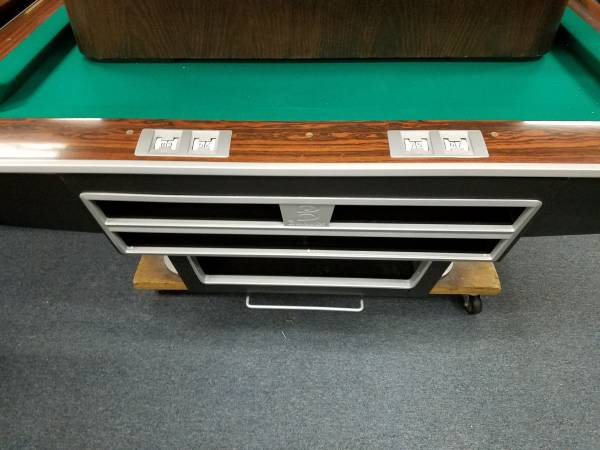 Photo Pool table 4x8 oversize and 939 gold crown by Brunswick - $3000