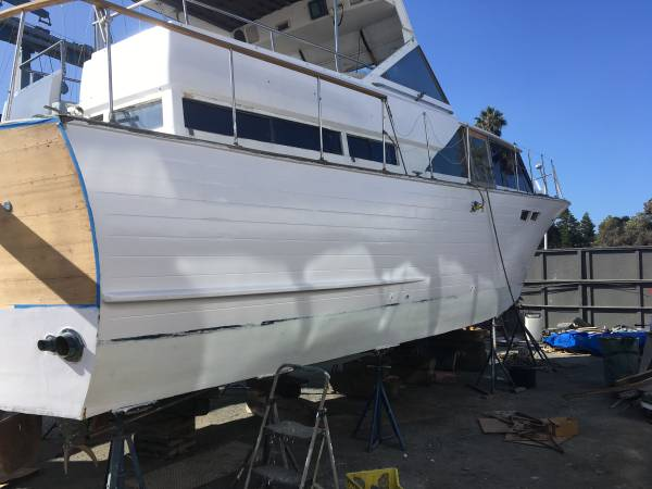 Photo Price Lowered Twin Ford V-8 427 Ford engines. 40 liveaboard - $7500 (El Cajon)