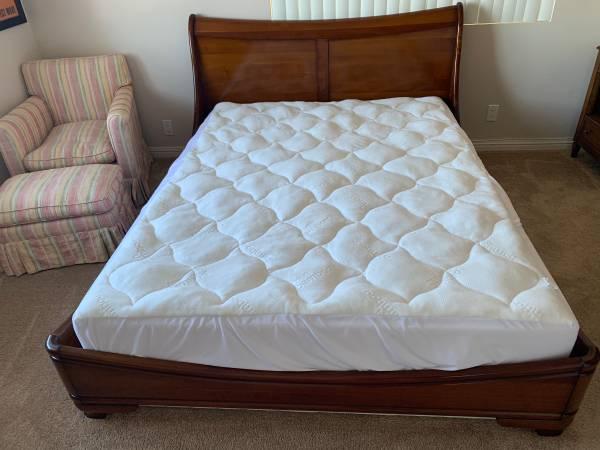 Photo ROCHE BOBOIS SOLID CHERRY PROVENAL QUEEN SLEIGH BED - $3,685 (LA JOLLA)