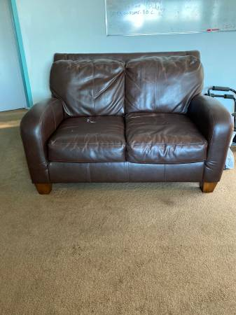 Photo Real Leather Love seat Brown (Point LomaOB)
