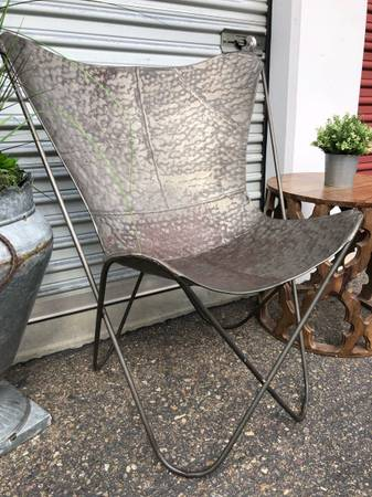 Photo Rustic designer Butterfly accent chair hammered metal - $180 (Rancho Bernardo)