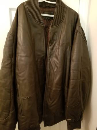 Photo SEAN JOHN LEATHER JACKET BIG AND TALL - $165 (Del mar)