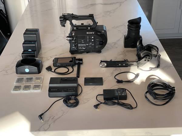 Photo Sony Sony PXW-FS7 XDCAM Super 35 Camera System (COMPLETE KIT) - $3,600 (San Diego)