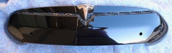 Photo Tesla Model S noseconefront fascia center applique, park assist cars - $200 (Vista)