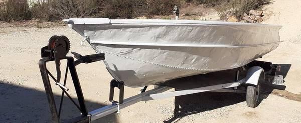 Photo Valco 1439 Aluminum V Boat and Trailer - $1,600 (Point Loma)