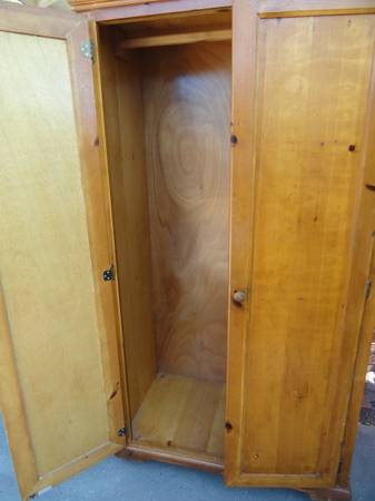 Photo Wardrobe Closet, Wooden, Armoire Clothes Hutch Wood, 2 doors, 639 tall - $300 (Oceanside)