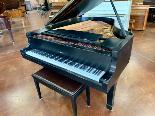 Photo Yamaha Model G2 5397quotGrand Piano - $7,500 (San Diego County)