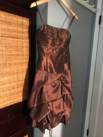 Photo Young teen formal dresses - $15 (Santee)