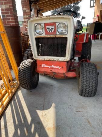 Photo 1984 Simplicity Sovereign Tractor - $1,500 (Castalia)