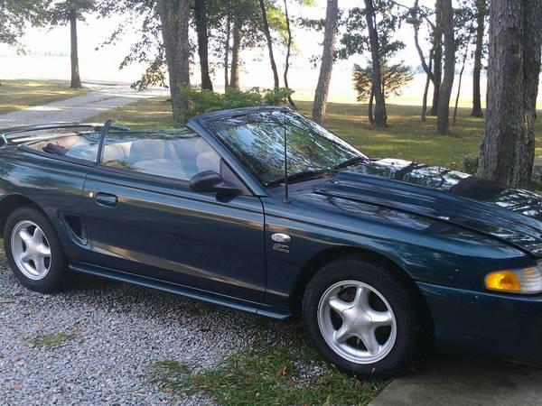 Photo 1995 Mustang GT Convertible - $4500 (Monroeville)