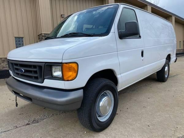 Photo 2006 Ford E-Series E350 SD Extended Cargo Van - 6.0L V8 Diesel - $5900 (Green, Oh.)
