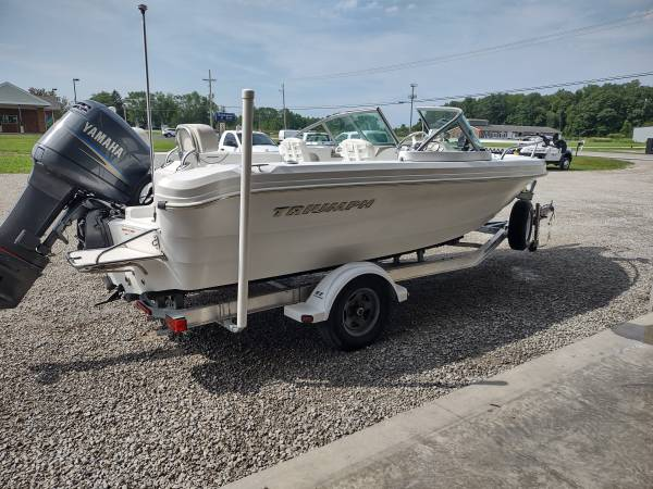 Photo 2007 Triumph 195 Dual Console powered by a 150 yamaha w148 hours 2 s - $25,900 (Marblehead)