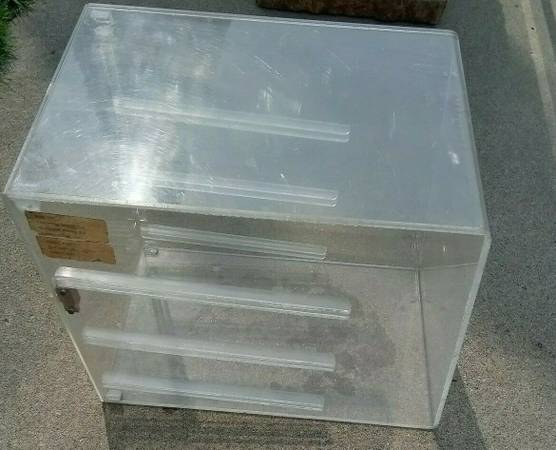 Photo Acrylic food bakery desert pastry display case countertop - $40 (sterling heights)