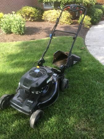 Photo Craftsman All Wheel Drive Mower - $250 (SANDUSKY)