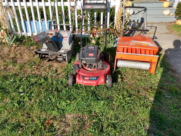 Photo LAWN MOWER, SNOW BLOWERS - $60 (Clyde)