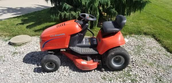 Photo Simplicity Riding Lawn Mower - $400 (Port Clinton)