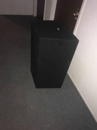 Photo Skar Audio Dual - $500 (Detroit)