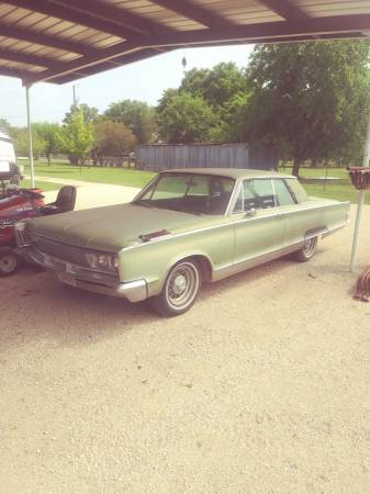 Photo 1966 Chrysler New Yorker Project - $3750 (New Braunfels) - $3750 (NEW BRAUNFELS)