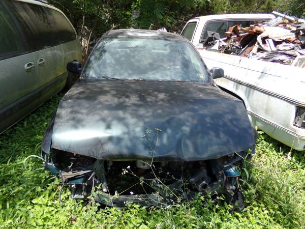 Photo 1997 Toyota Corolla- All or Parts - $1 (new braunfels)
