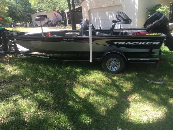Photo 2005 bass tracker 18 all species 90 hp mercury - $7,500 (Georgetown)