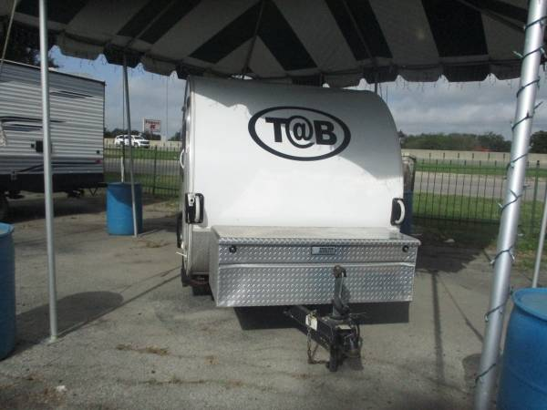 Photo 2015 Little Guy Trailers TB CS Max Plus Travel Trailer - $18,999 (New Braunfels)